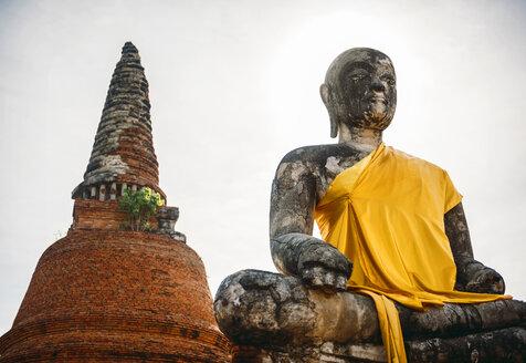 Thailand, Ayutthaya, torso of ancient Buddha statue - EHF000222