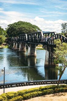 Thailand, Kanchanaburi, view to bridge over River Kwai - EHF000227