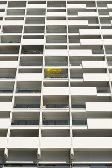 Germany, Duesseldorf, loggias of high-rise residential building - VIF000407