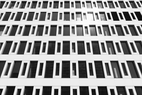 Germany, Duesseldorf, facade of an office building - VIF000410