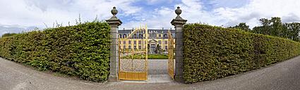 Germany, Lower Saxony, Hanover, Herrenhausen Gardens, Golden Gate - KLR000174