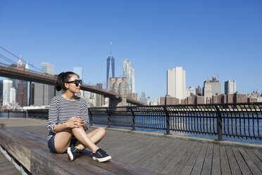 USA, New York City, relaxing young woman - GIOF000130