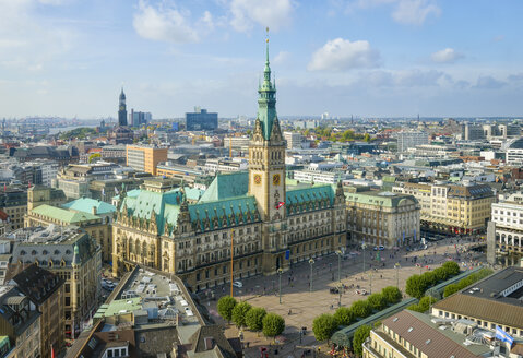 Germany, Hamburg, Cityscape with city hall - RJF000507