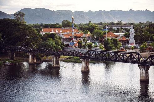 Thailand, Kanchanaburi, view to the bridge over River Kwai - EHF000252