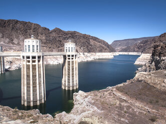 USA, Nevada, Hoover Dam and Lake Mead showing fallen water levels - SBD002267