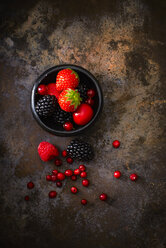 Bowl of different berries - KSWF001625