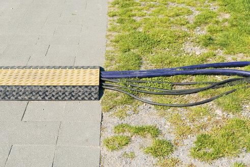 Germany, Duisburg RheinPark, Cables under cable bridge - VIF000424
