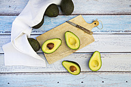 Whole and sliced avocado - LVF003973