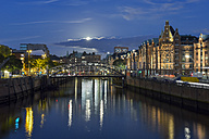 Germany,Hamburg, historical warehouse district, Speicherstadt in the evening - RJF000518