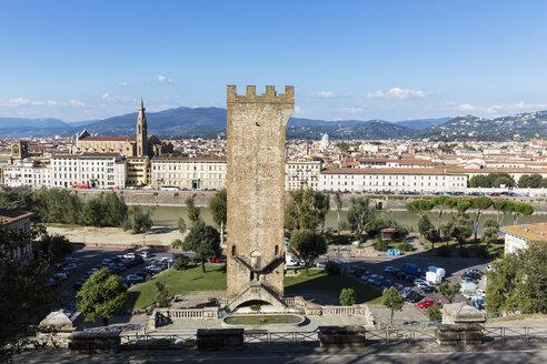 Italy, Tuscany, Florence, Piazza Giuseppe Poggi, Tower of San Niccolo and Basilika Santa Croce - FOF008297