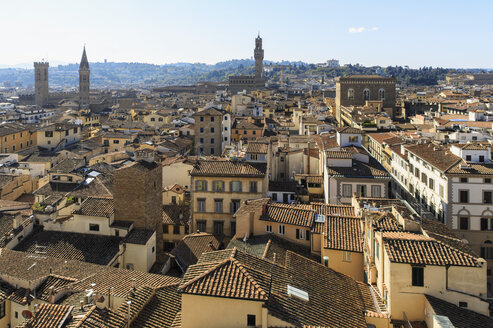 Italy, Tuscany, Florence, View of city and Palazzo Vecchio - FOF008327