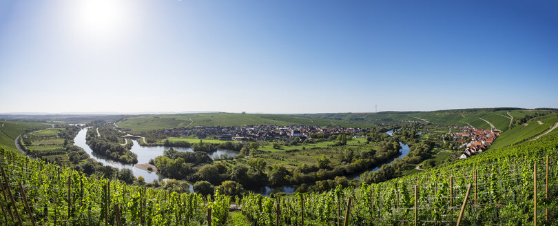 Germany, Lower Franconia, Main river loop near Volkach - SIEF006813