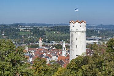 Germany, Baden-Wuerttemberg, Ravensburg, defence tower Mehlsack and old town - EL001664