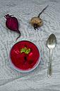 Bowl of beetroot soup - LVF004074