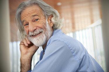 Laughing senior man, portrait - RMAF000171