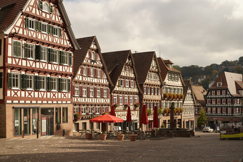 Germany, Baden-Wuerttemberg, Calw, timber-framed houses at market square - PCF000209