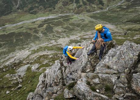 UK, Lake District, Great Langdale, scrambling at Pike of Stickle - ALRF000097