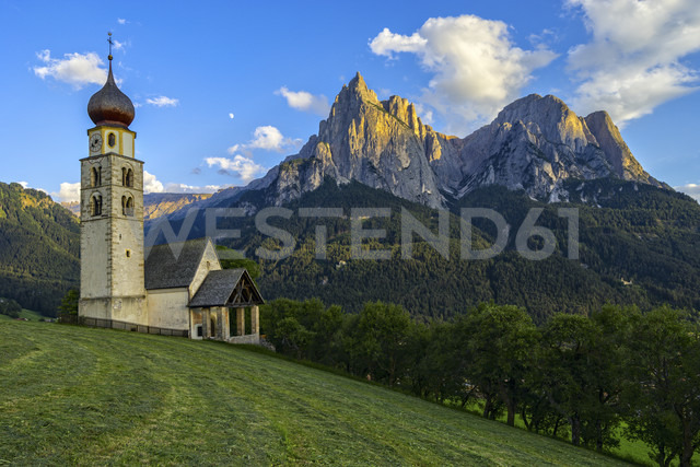 Italy, Dolomites, Church of Saint Valentino and the Sciliar at sunset - LOMF000083