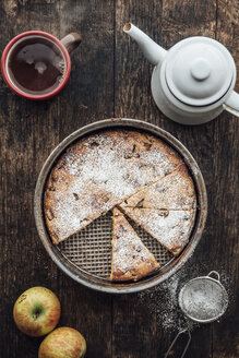 Home-baked apple pie and cup of black tea - IPF000271