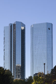 Germany, Hesse, Frankfurt, twin towers of Deutsche Bank - WI002899