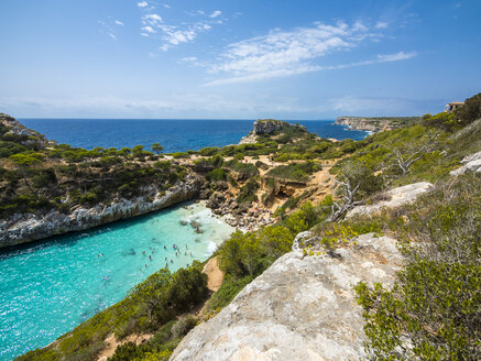 Spain, Baleares, Mallorca, View of bay Calo des Moro - AMF004395
