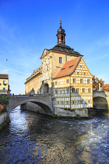 Germany, Bamberg, view to the old city hall with Regnitz River in the foreground - VT000468