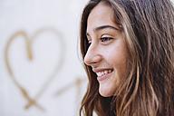 Portrait of happy girl - GEMF000483