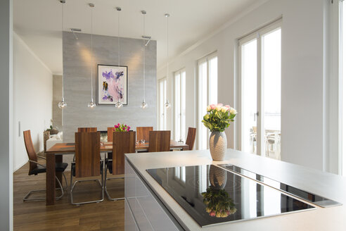 Interior of modern flat, Dining area and open plan kitchen - FKF001517