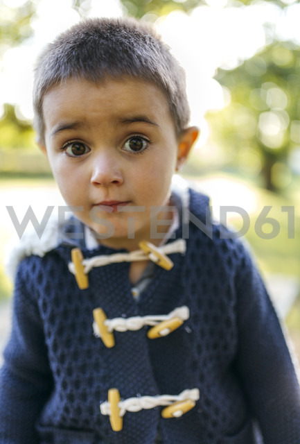 Portrait of little boy with eyes wide open - MGOF001056 - Marco Govel/Westend61