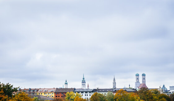 Germany, Munich, Skyline in autumn - KRPF001632