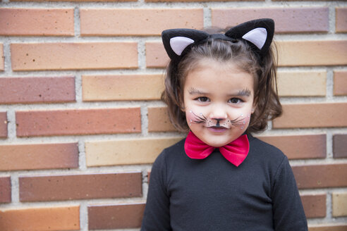Portrait of little girl dressed up as a cat - ERLF000082