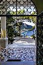Italy, Capri, gate to the garden of Villa Lysis - WE000423