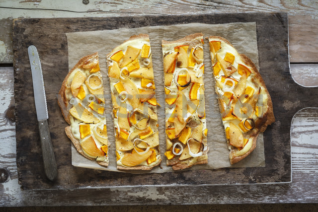 Flammkuchen with pumpkin and quince - EVGF002516