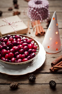 Bowl of fresh cranberries at Christmas time - CZF000229