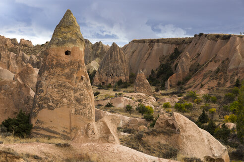 Turkey, Cappadocia, Goereme National Park, rock formations - FCF000807
