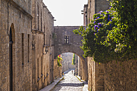 Greece, Rhodes, old town, medieval road Odos Ippoton - WDF003412