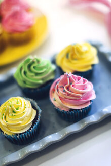 Colorful cupcakes - EHF000325
