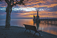Germany, Constance,Bench facing the harbour entrance with Imperia statue - KEBF000291