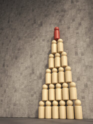 3d Rendering, Pyramid of wooden figurines - UWF000690