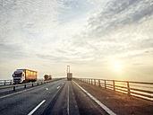 trucks on the Oresund Bridge - BMA000073