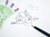 Drawing of a house with 100 Euro notes - AMF004515