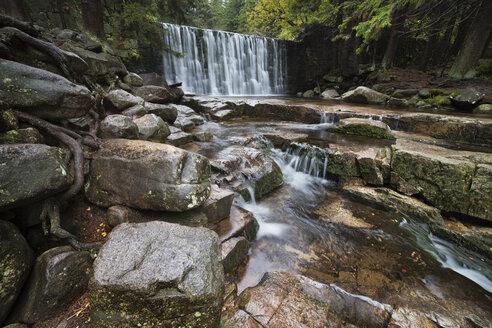 Poland, Karpacz, Sudetes Karkonosze Mountains, Wild Waterfall - ABOF000054