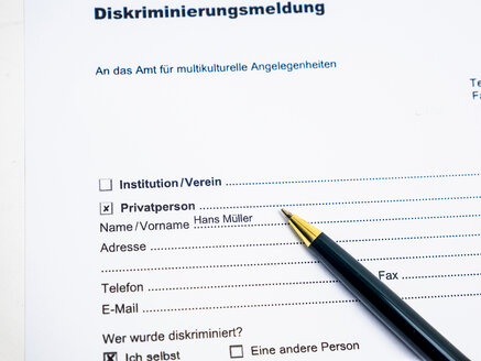 German document for report of a discrimination - AM004524