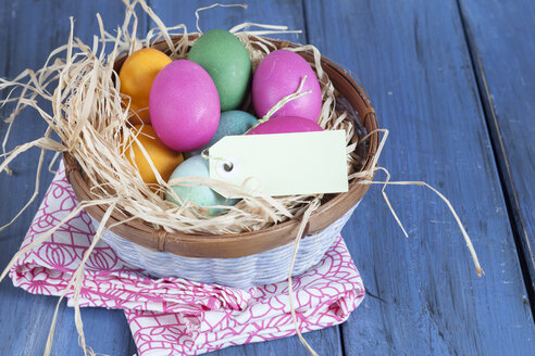Colourful Easter basket with tag - SBDF002555