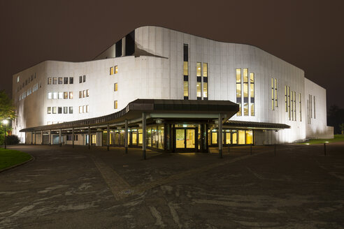 Germany, North Rhine-Westphalia, Essen, Aalto Theatre in the evening - WI003003