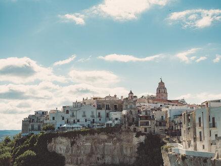 Italy, Apulia, Gargano, Vieste, townscape - GSF001026