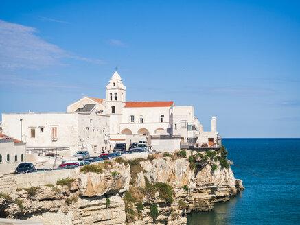 Italy, Apulia, Gargano, Vieste, La Chiesa di Santa Croce at the coast - GSF001029
