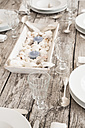 Maritime laid table with wine glasses - LVF004299