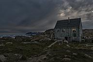 Greenland, Schweizerland, Kulusuk, house in the evening - ALRF000228