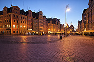 Poland, Wroclaw, Old Town, Market Square by night - ABOF000060